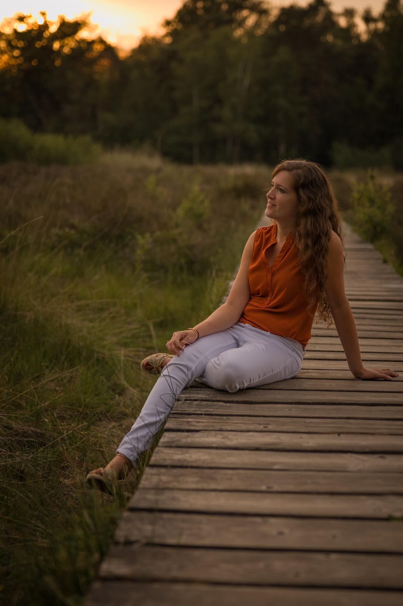 Portretfotograaf in Amersfoort, Nijkerk, Hoevelaken. Portretfotografie. Gouden uur portret door Mayra Fotografie.
