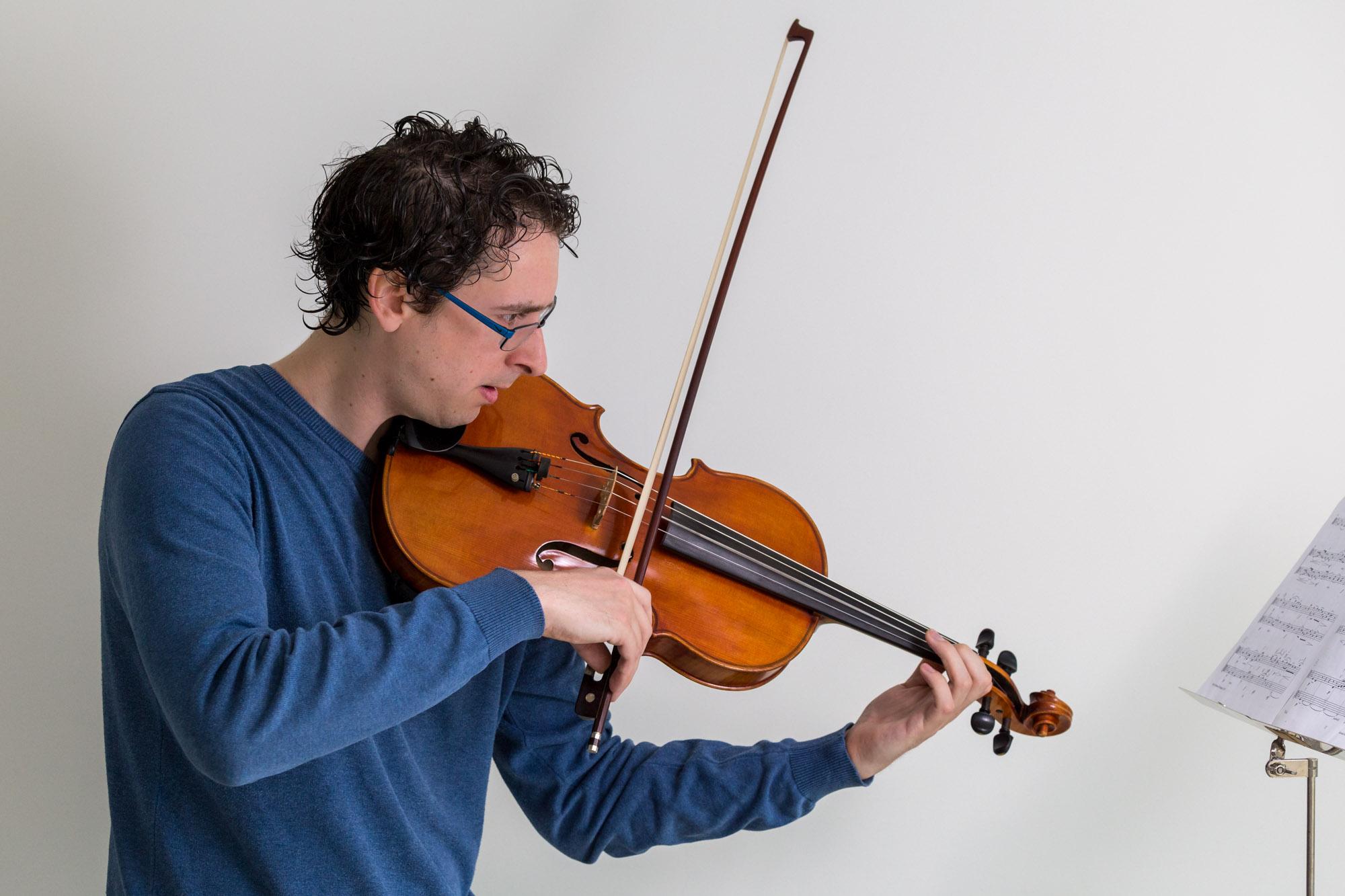 portret van violist door mayrafotografie